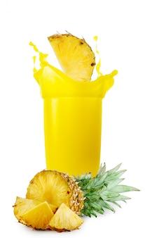 パイナップルジュースとパイナップル