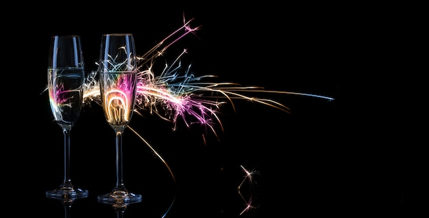 Два высоких бокала шампанского
