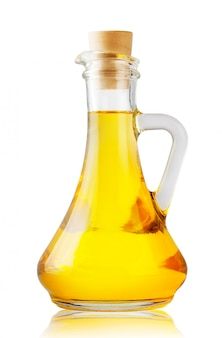 香りのよい黄色いオイルのボトル