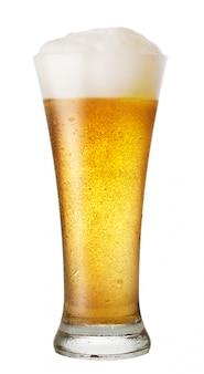 Стакан пива с каплями