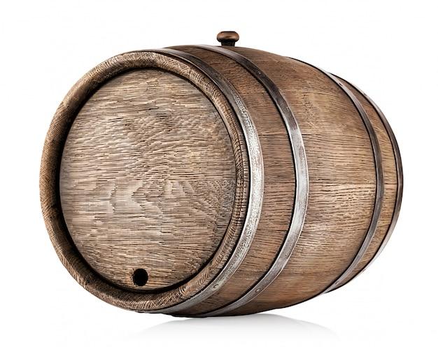 Старая круглая дубовая бочка