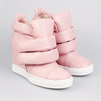 Женские розовые сапоги