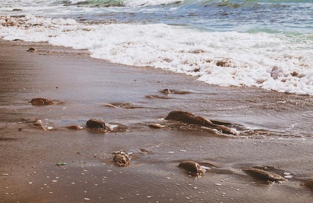 Тонированное изображение морского пейзажа в винтажном стиле