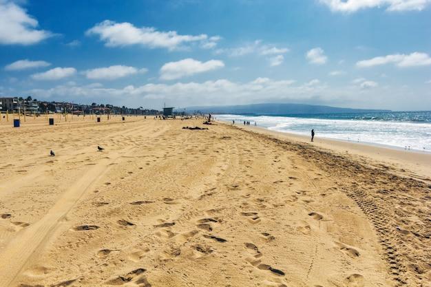 Вид на пляж манхэттен и тихий океан, лос-анджелес, калифорния