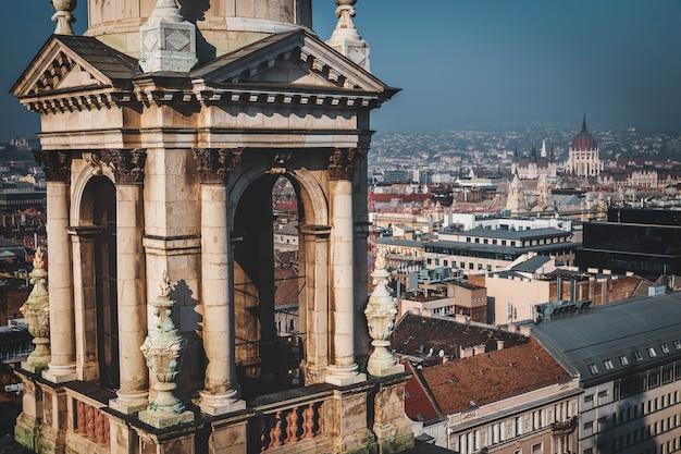 ハンガリー、聖シュテファン大聖堂の展望台からのブダペストビュー