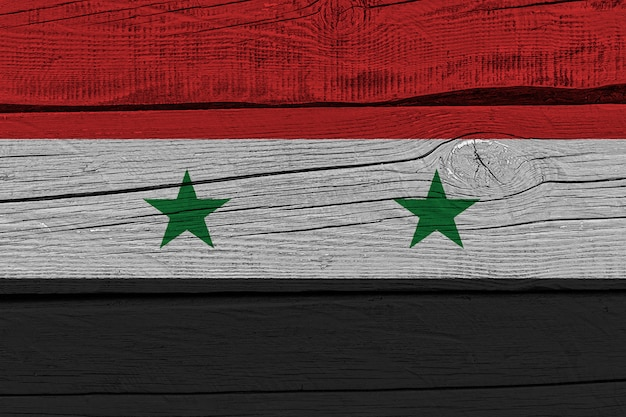 Сирийский флаг нарисовал на старой деревянной доске