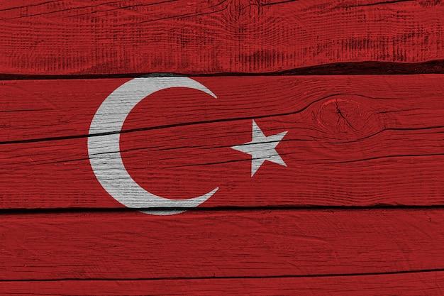 Флаг турции нарисовал на старой деревянной доске