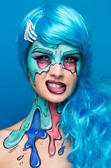 Модная девушка зомби. портрет женщины-зомби в стиле пин-ап. боди-арт проект. хэллоуин макияж.