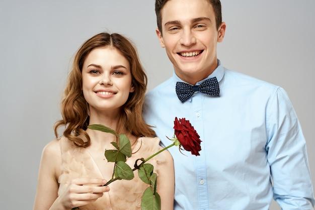 Молодая пара мужчина и женщина красивые люди вместе. мужчина и женщина романтические и сексуальные отношения