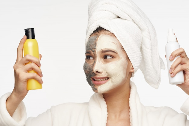 女性の顔のケア、マスク、ポートレート