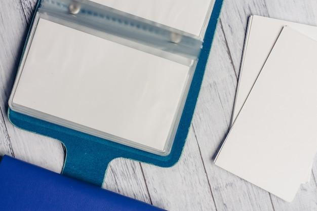 文房具、木製デスク、学校、オフィス用品