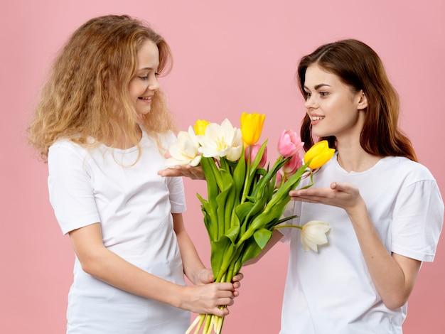 母の日、若い女性、花
