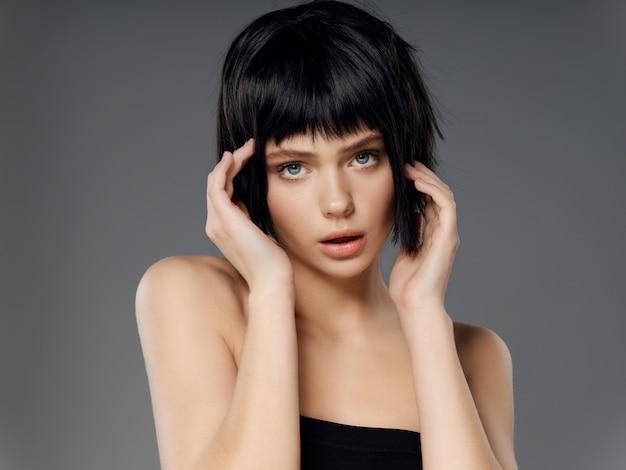 女性の肖像画の黒いかつら、美しさの肖像画