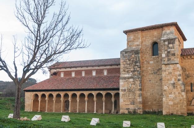 Монастырь сан мигель де ла эскалада