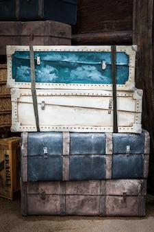 ヴィンテージの荷物
