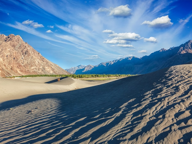 Песчаные дюны в горах