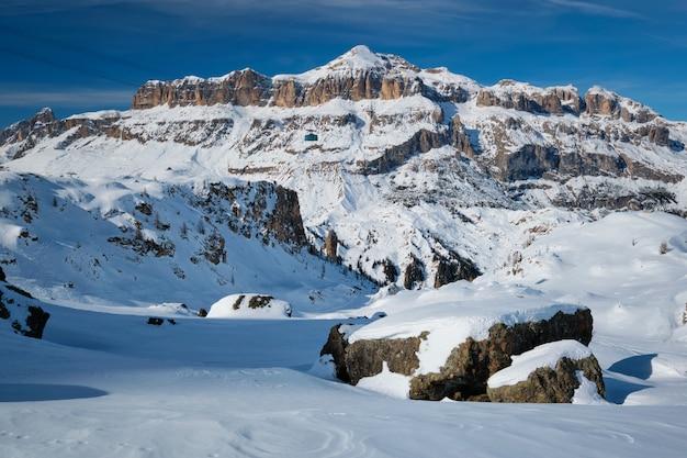 ドロミテ、イタリアのスキーリゾート