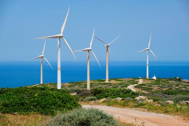 風力発電機タービン。クレタ島、ギリシャ