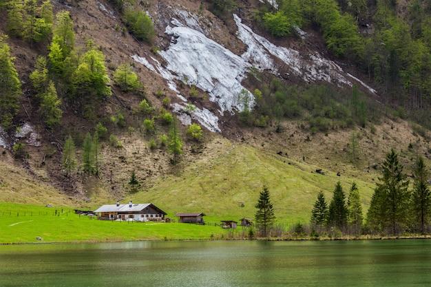 オーバーゼー湖。バイエルン、ドイツ