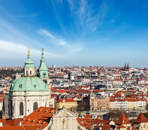 プラハ城からプラハの空撮