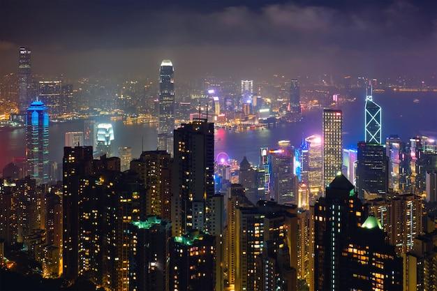 香港の高層ビルのスカイライン都市景観ビュー