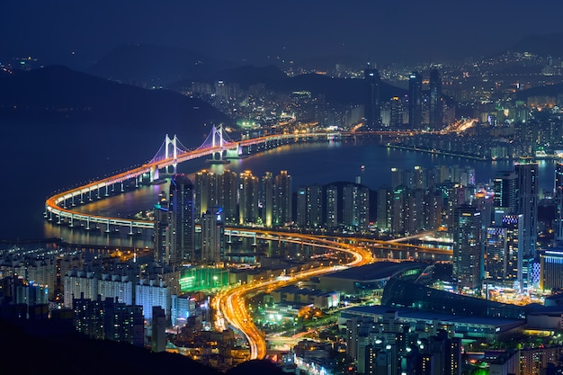 釜山の街並み広安大橋
