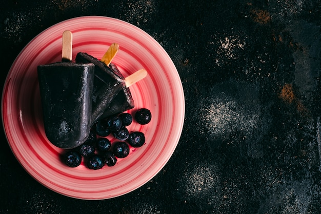 Домашняя веганская черника с кокосовым молоком и эскимо