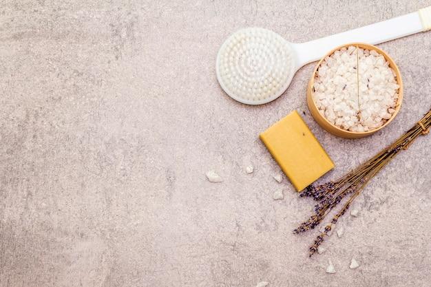 Морская соль с лавандой, натуральным оливковым мылом и кисточкой