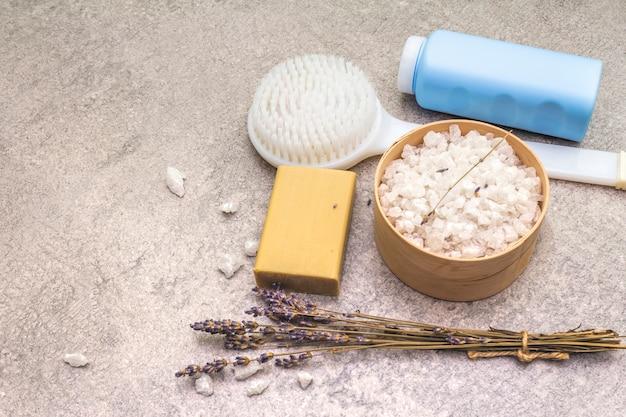Морская соль с лавандой, натуральным оливковым мылом, гелем для душа и кистью