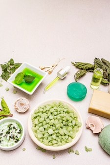 Здоровый уход за собой. минималистский органический образ жизни. комфорт и натуральная аптека