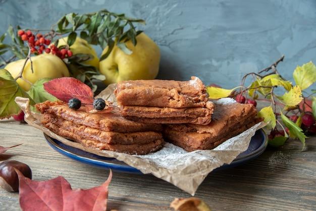 Осенний десерт яблочная пастила.