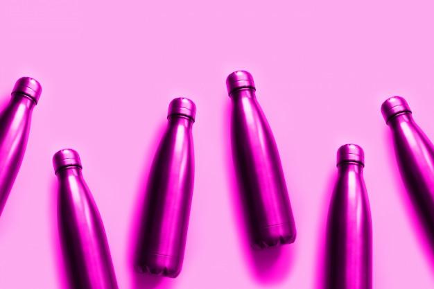 再利用可能なゼロ廃棄物金属水ボトルトーン明るいネオンピンク