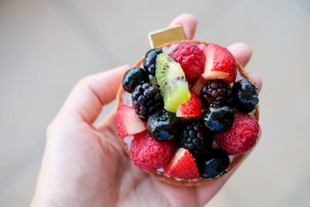 新鮮なフルーツのタルト。