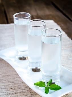 Стаканы водки