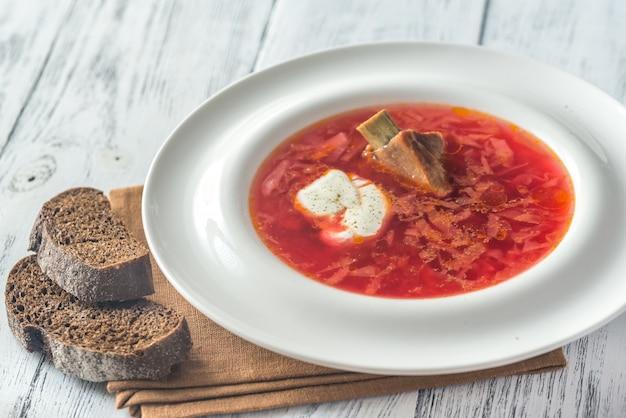 ウクライナの伝統的なビートのスープ