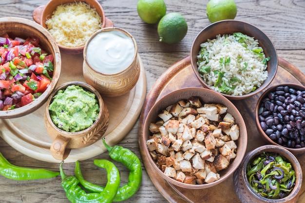 Ингредиенты для куриного буррито