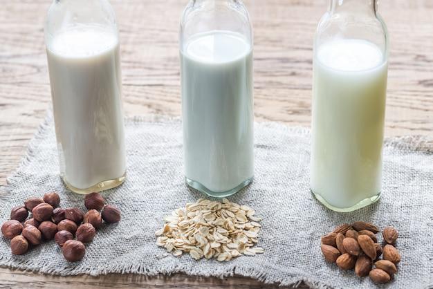 さまざまな種類の非乳牛乳