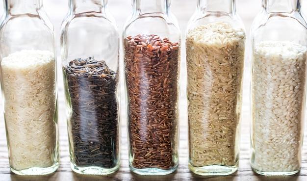 さまざまな種類の米