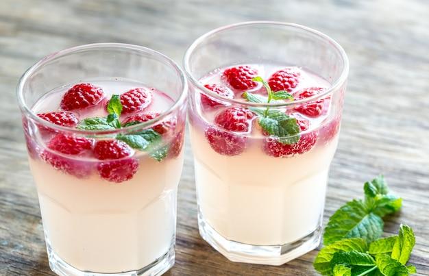 Игристая малина - коктейль лимончелло