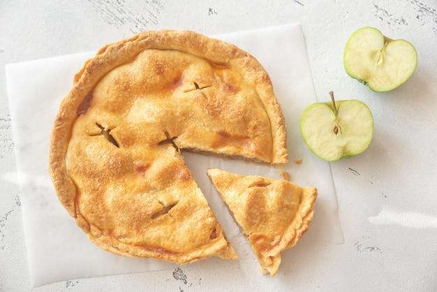 Яблочный пирог на пергаменте