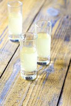 Три стакана лимончелло