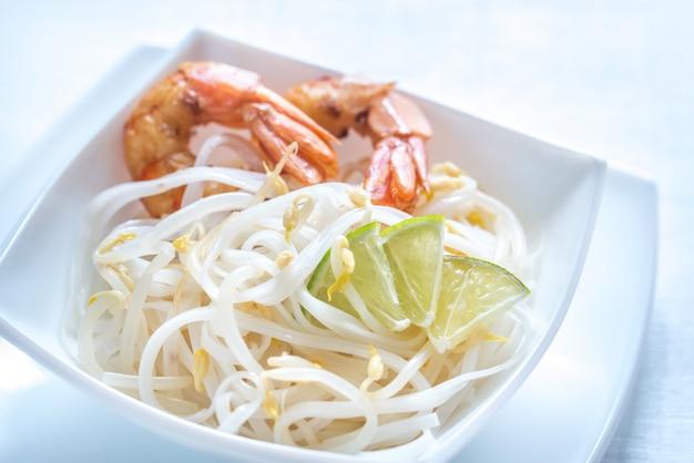 海老ともやしの麺