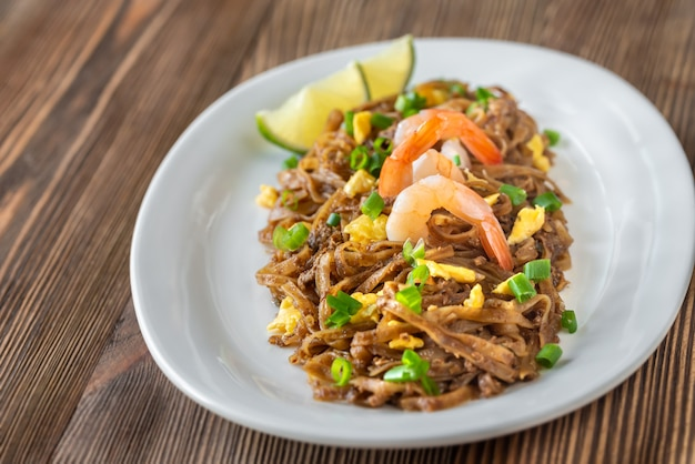 パッタイ料理-タイのチャーハン麺
