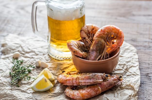 ビールとエビのフライ