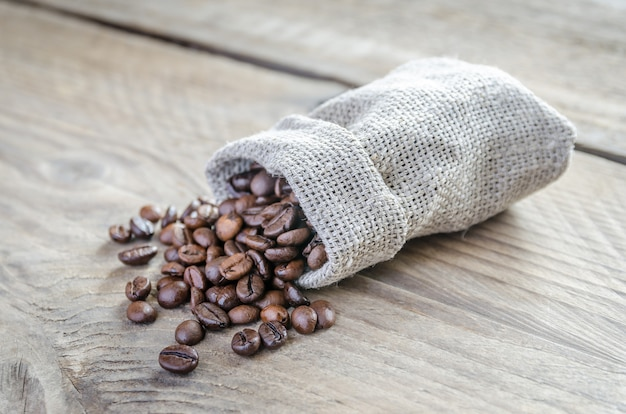 Кофе в зернах в мешке вретище