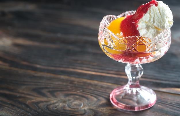 Персик мельба мороженое
