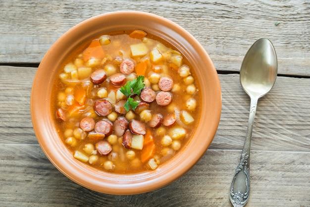ひよこ豆とスモークソーセージのスープ