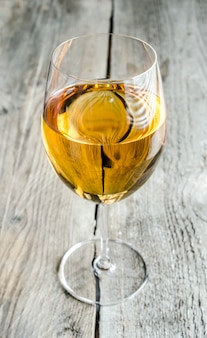 Рюмка с белым вином