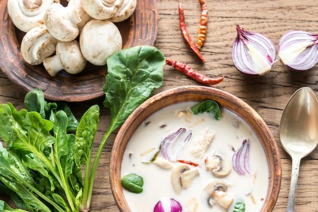 Тайский кокосовый крем-суп