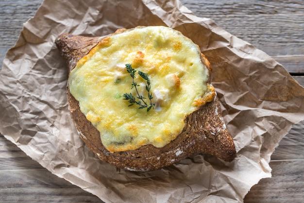 Сырный фаршированный хлеб